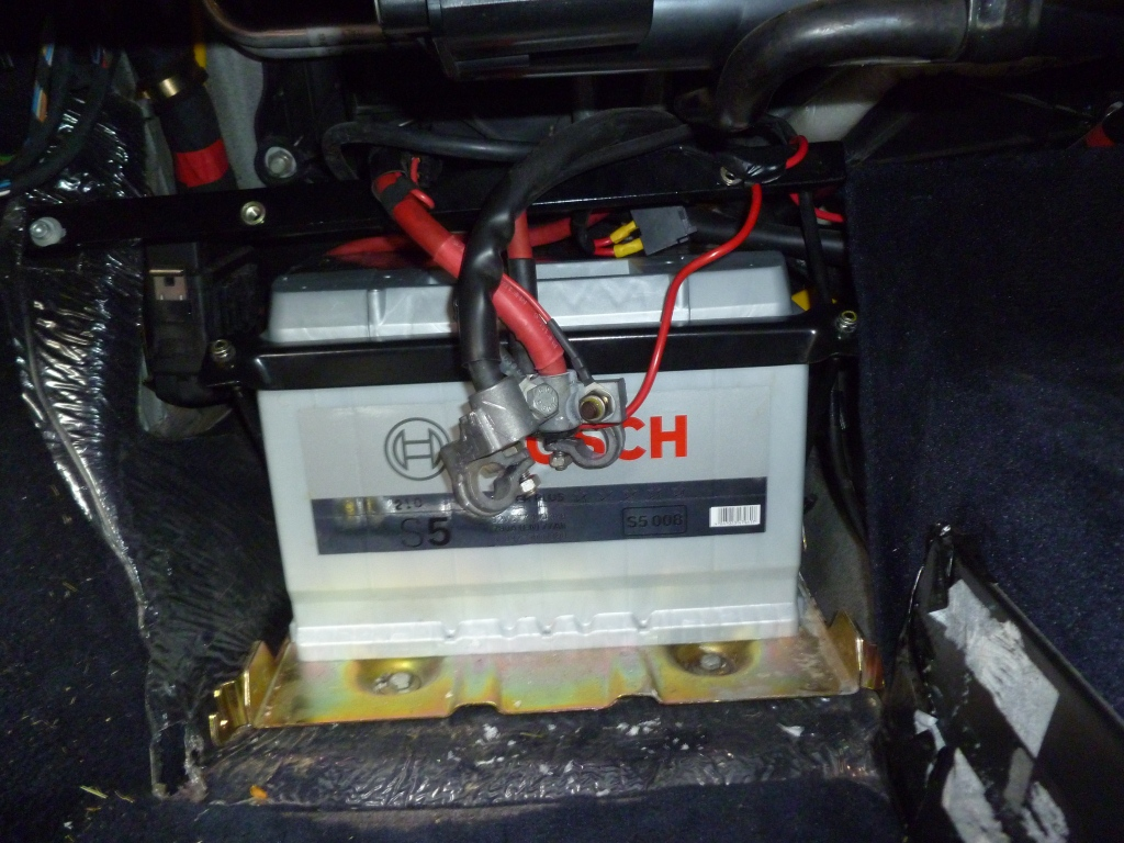 removing old car batteries how to change a car battery. Black Bedroom Furniture Sets. Home Design Ideas