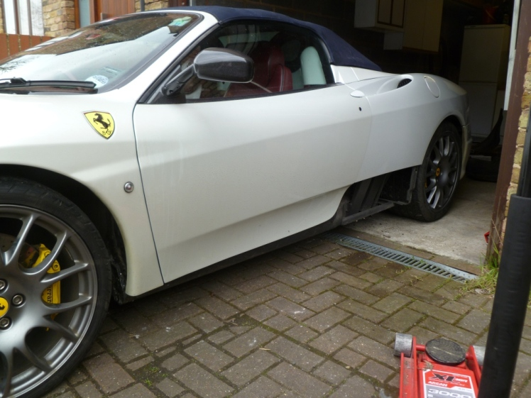 Ferrari 360 Side Skirt Removal