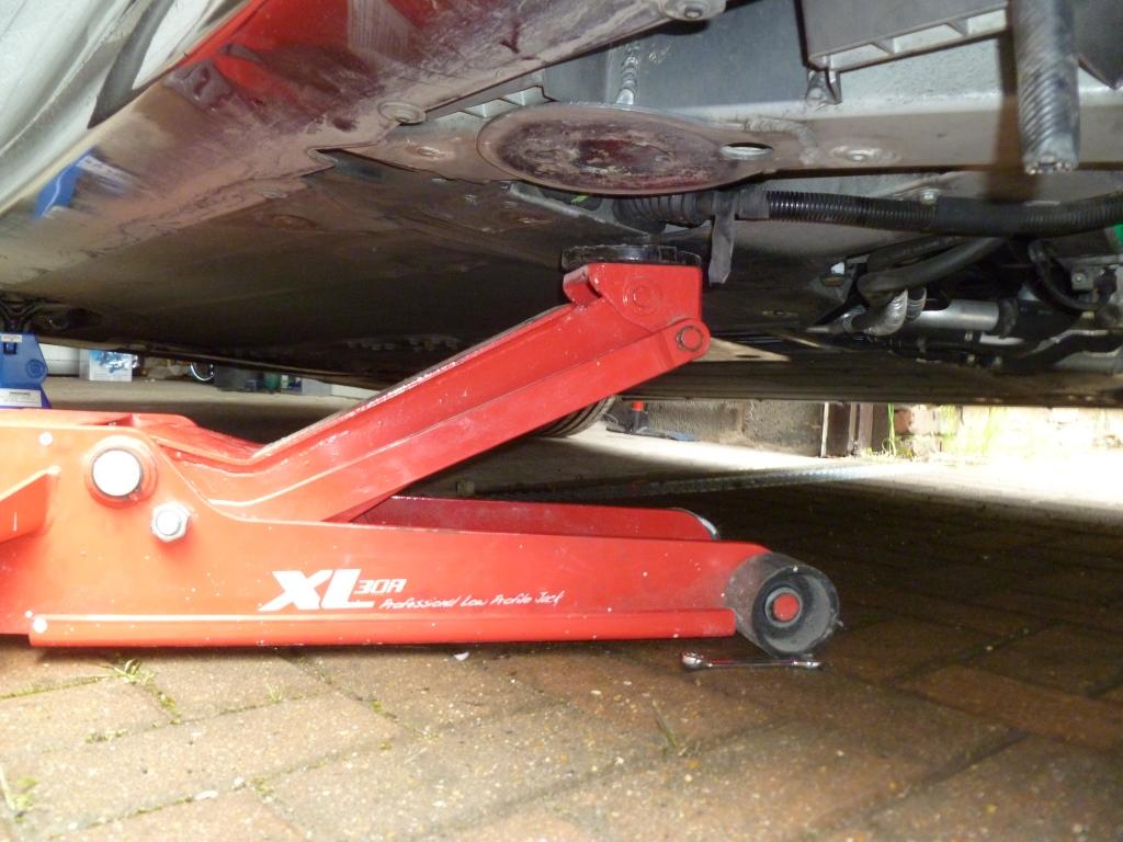 Ferrari F430 Exhaust Manifold Change Aldous Voice