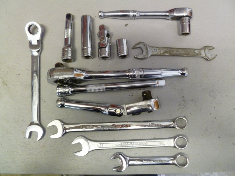 Tools to undo the manifold bolts